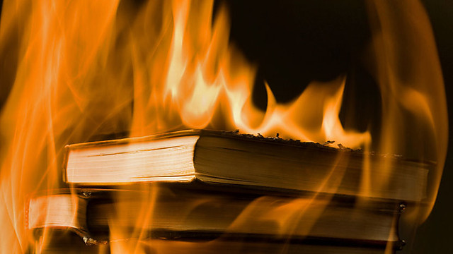 fahrenheit 451 essays on fire Fire of symbolism essay fahrenheit in 451 conclusion project management research essay 911 5 paragraph essay organschaft beispiel essay essayer un habit en anglais.